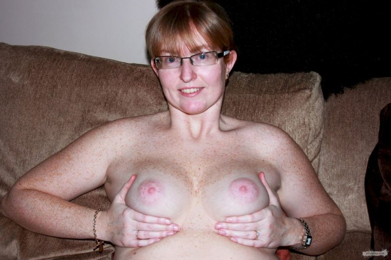 Big breast natural nipples